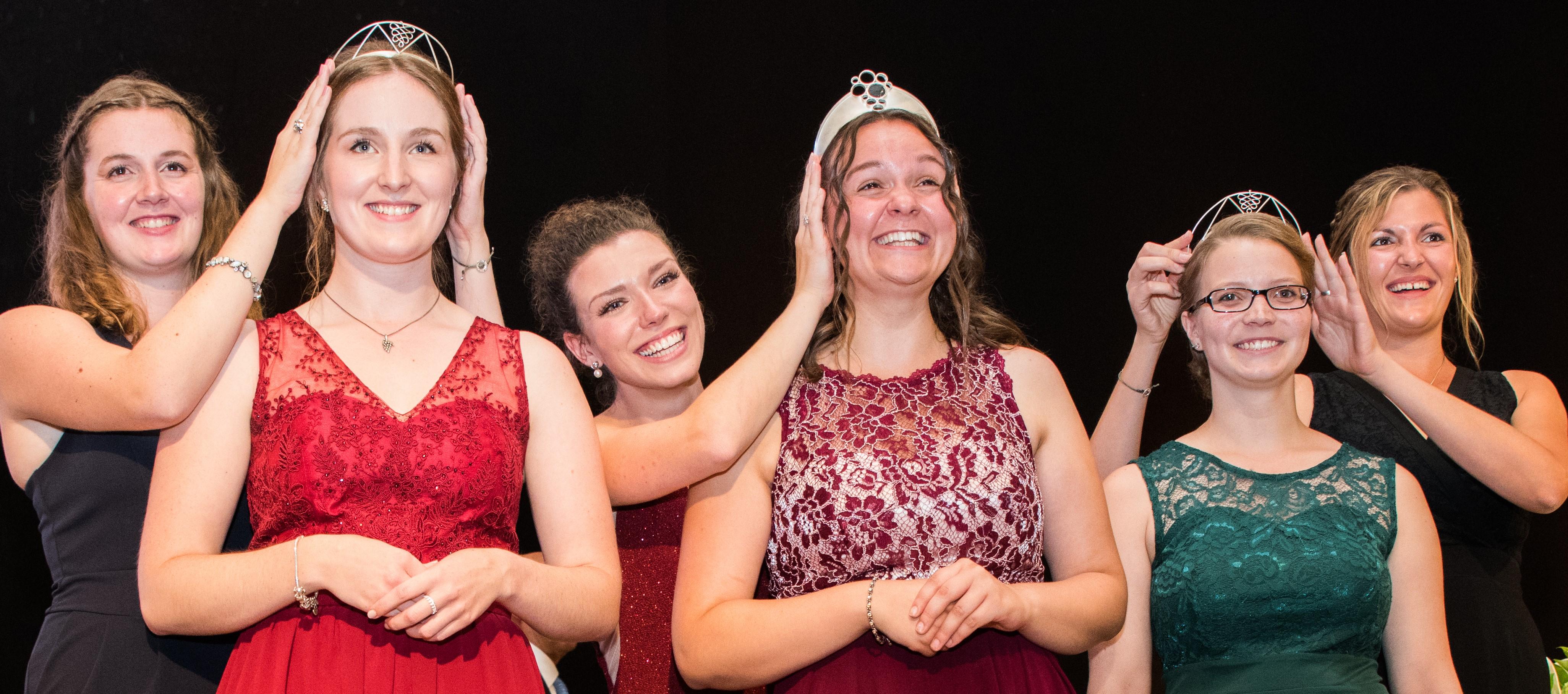 Krönung der neuen Moselweinkönigin