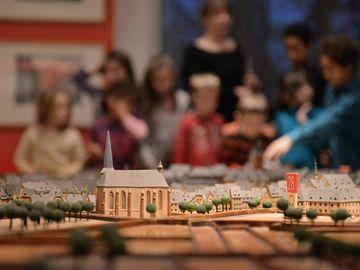 Ansicht auf eine Kinderführung im Stadtmuseum Simeonstift in Trier.